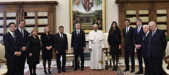 Encuesta sobre la imagen del Papa Francisco y su relación con Mauricio Macri